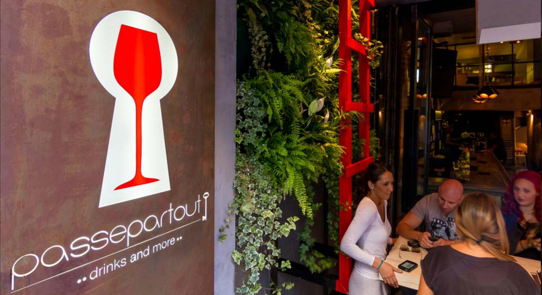 Passepartout All day music bar restaurant